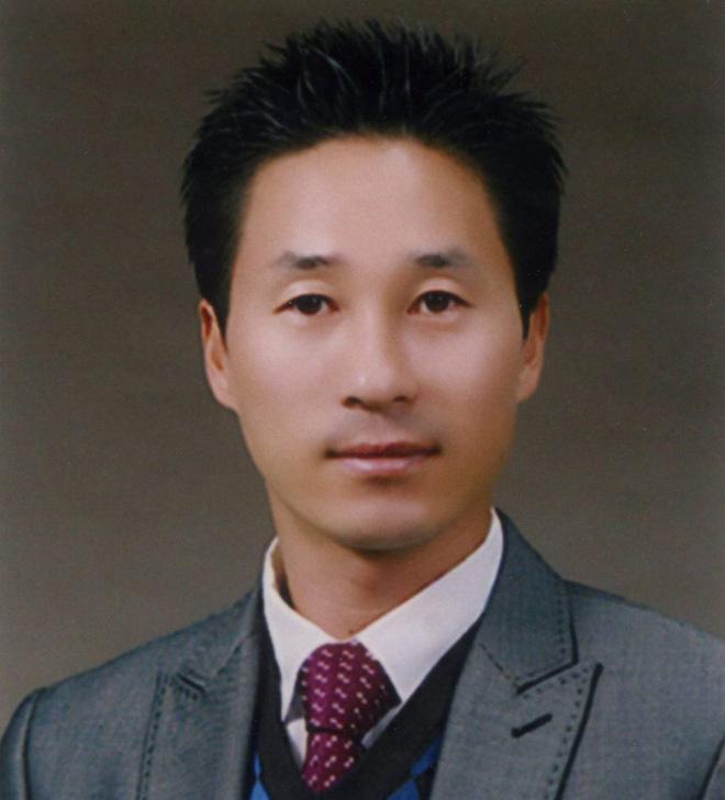 Tìm thấy thi thể thầy giáo anh hùng nhường phao, xả thân cứu học sinh trong thảm kịch chìm phà Sewol 3 năm trước - Ảnh 2.
