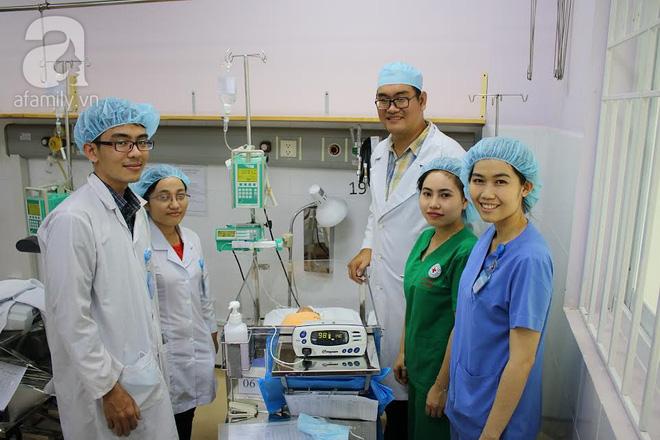 TP.HCM: Lần đầu tiên bệnh viện quận cứu sống và nuôi dưỡng thành công một bé trai sinh non chỉ nặng 1,5kg - Ảnh 2.