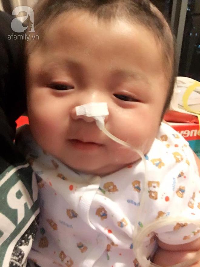 Vỡ òa hạnh phúc khi bé Phạm Đức Lộc đã mọc răng, đang tập lật - Ảnh 5.