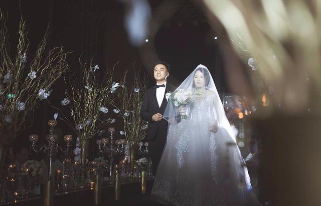 Đám cưới dát vàng của cặp đôi mới gặp lần 2 chàng đã khăng khăng đòi cưới - Ảnh 13.