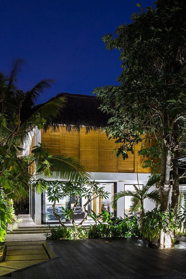 Mê mẩn với ngôi nhà vườn lợp mái lá dừa đẹp ngang khu nghỉ dưỡng cao cấp - Ảnh 5