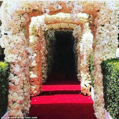 Đám cưới 240 tỷ xa hoa nhất hành tinh của cặp đôi ngậm thìa vàng ngay từ khi chào đời - Ảnh 9.