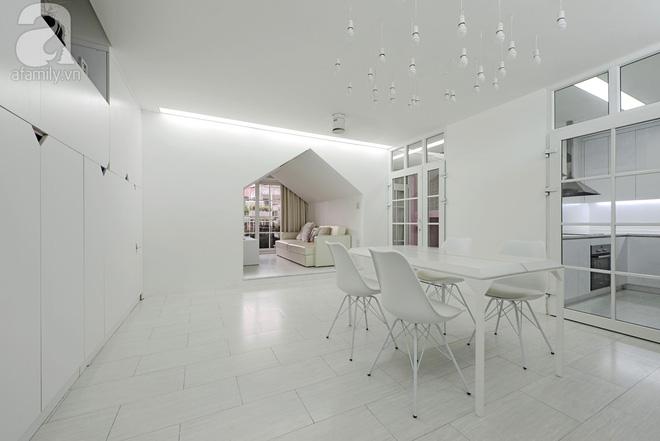 Căn hộ 65m² trắng tinh khôi ở Hà Nội do chính chàng KTS 8x thiết kế cho gia đình mình - Ảnh 4.