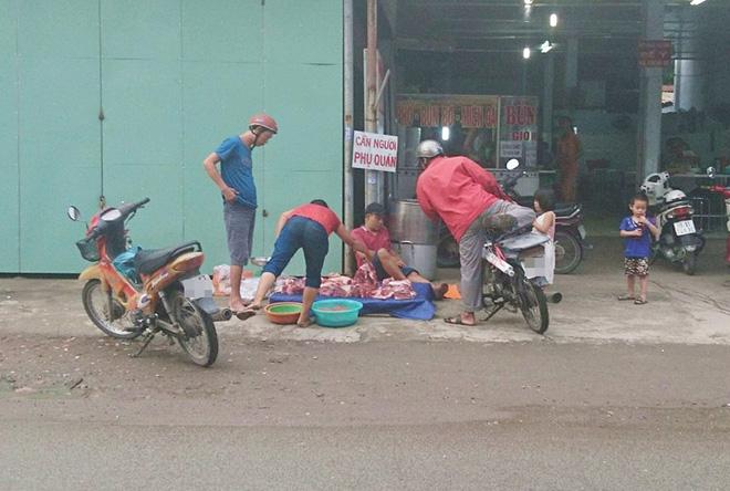 Thực hư chuyện thịt heo 100.000/3kg bán tràn lan khắp lề đường Sài Gòn - Ảnh 6.