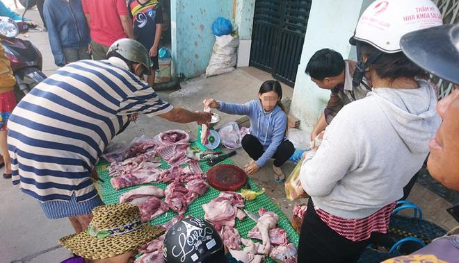 Thực hư chuyện thịt heo 100.000/3kg bán tràn lan khắp lề đường Sài Gòn - Ảnh 11.