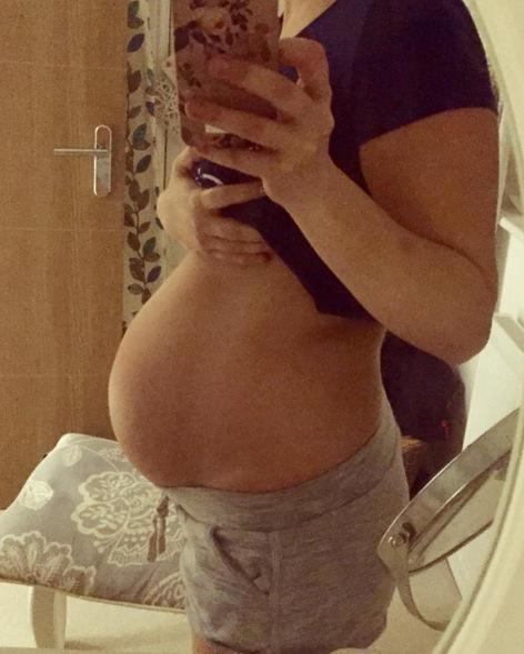 """Mang thai 3 tháng trong bụng, đi siêu âm mới thấy mình đang mang """"chùm nho"""", sự thật khiến cả nhà ngã ngửa... - Ảnh 2."""