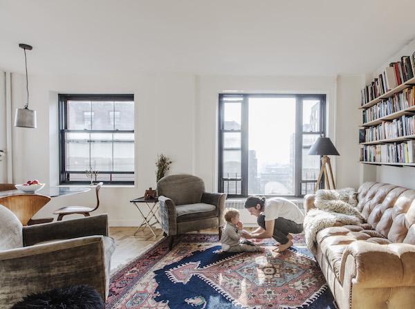 Căn hộ 1 phòng ngủ lột xác diệu kỳ để trở thành tổ ấm cho gia đình 4 người - Ảnh 1.