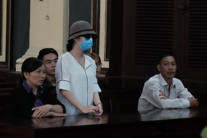 Nữ sinh bị tạt axit ở Sài Gòn kháng án thành công, cô gái chủ mưu lãnh án gần 10 năm tù - Ảnh 5.