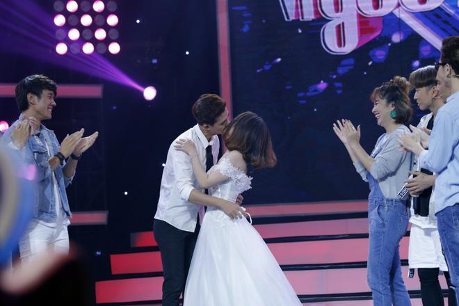 Mai Ngô khóc nấc khi bị Phan Anh chỉ trích thiếu tôn trọng; Trấn Thành ra mắt show mang tên mình - Ảnh 3.