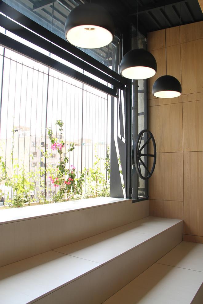 Căn hộ 45m² cực ấn tượng với giường treo và hệ tủ âm tường biến hóa khôn lường - Ảnh 16.