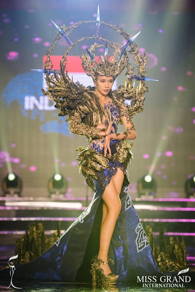 Huyền My xuất sắc đứng đầu bình chọn phần thi Trang phục Dân tộc - Ảnh 2.