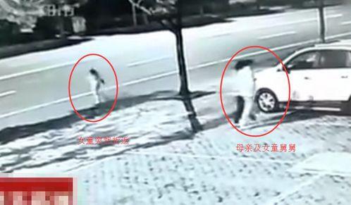 Clip: Thót tim chứng kiến bé gái bị xe tải cuốn vào gầm, thoát chết một cách thần kì - Ảnh 3.