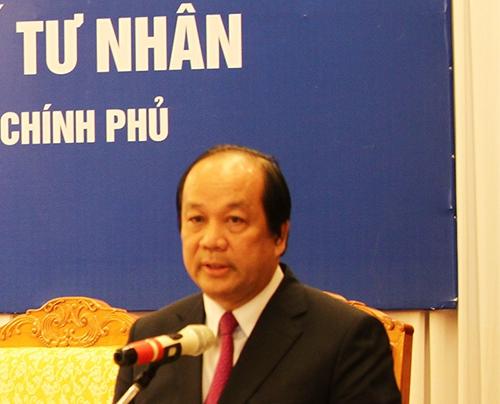 Bộ trưởng Mai Tiến Dũng: Không thể chấp nhận việc Khaisilk lấy hàng bên ngoài rồi dán nhãn mác hàng Việt được - Ảnh 1.