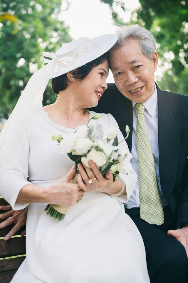 45 năm ông bà anh yêu nhau từ thời chẳng có gì đến tuổi thất thập và bộ ảnh cưới tình hơn tụi trẻ - Ảnh 1.