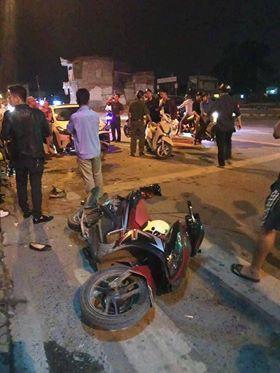 Hải Phòng: Xe điên đâm hàng loạt xe máy dừng đèn đỏ khiến nhiều người nhập viện - Ảnh 2.