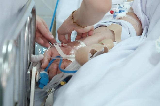 Đau bụng dữ dội, sản phụ 23 tuổi mất hai con song sinh, băng huyết nguy kịch - Ảnh 5.