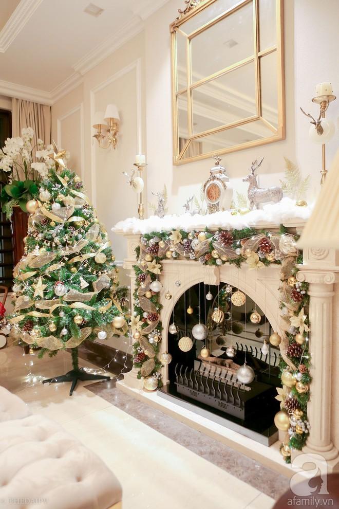 Ngắm ngôi biệt thự lung linh màu sắc Giáng sinh ở Long Biên, Hà Nội - Ảnh 11.