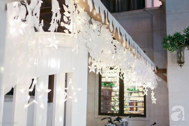 Ngắm ngôi biệt thự lung linh màu sắc Giáng sinh ở Long Biên, Hà Nội - Ảnh 5.
