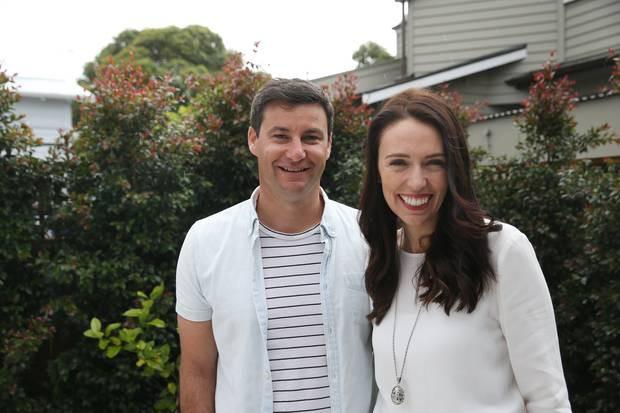 Bí mật về người đàn ông đứng sau nữ thủ tướng trẻ tuổi nhất thế giới - Ảnh 3.