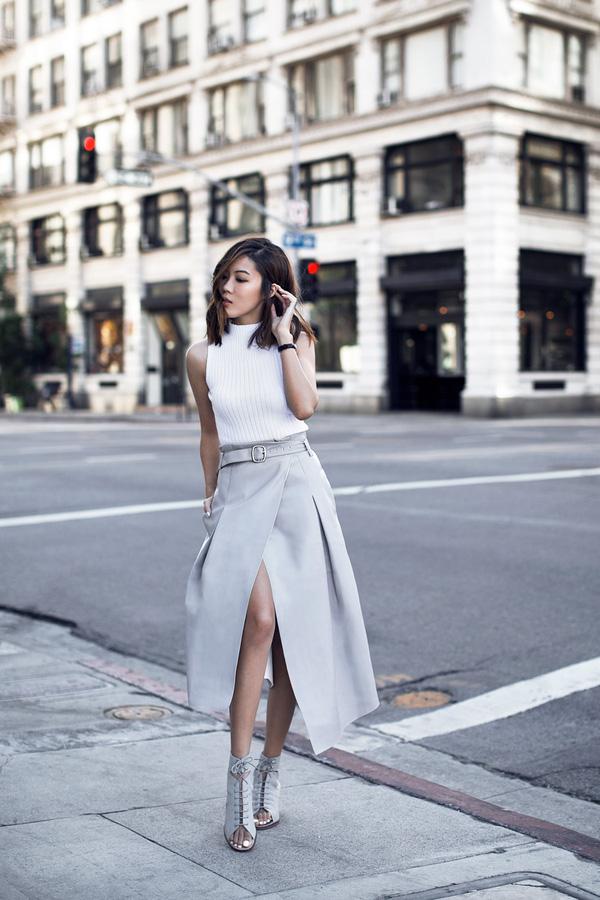 Gợi ý mix đồ đẹp đủ mọi đường với 5 thiết kế chân váy midi quen thuộc - Ảnh 15.