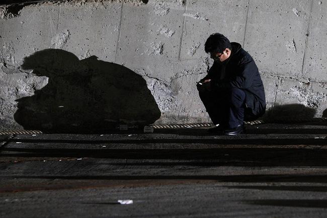 Loạt hình ám ảnh trong thảm kịch chìm phà Sewol cướp đi sinh mạng của gần 300 học sinh ở Hàn Quốc 3 năm trước - Ảnh 15.
