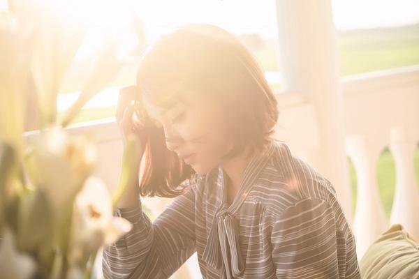 2 MV lên đồ đẹp miễn chê của quý cô vintage Bích Phương có khiến bạn muốn bắt chước? - Ảnh 15.