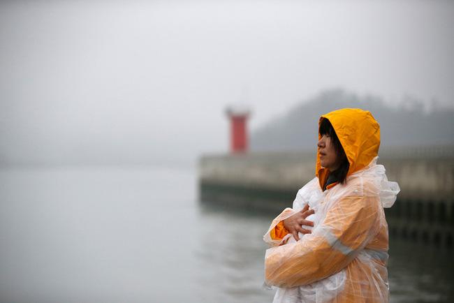 Loạt hình ám ảnh trong thảm kịch chìm phà Sewol cướp đi sinh mạng của gần 300 học sinh ở Hàn Quốc 3 năm trước - Ảnh 18.