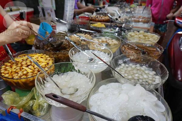 4 con hẻm ẩm thực cứ mỗi bước là có một món ăn ngon tại Sài Gòn - Ảnh 11.