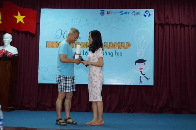 Phó HT ĐH Hoa Sen mặc quần đùi, áo thun trong giảng bài: Tôi mặc như vậy để dạy sinh viên tư duy sáng tạo! - Ảnh 3.