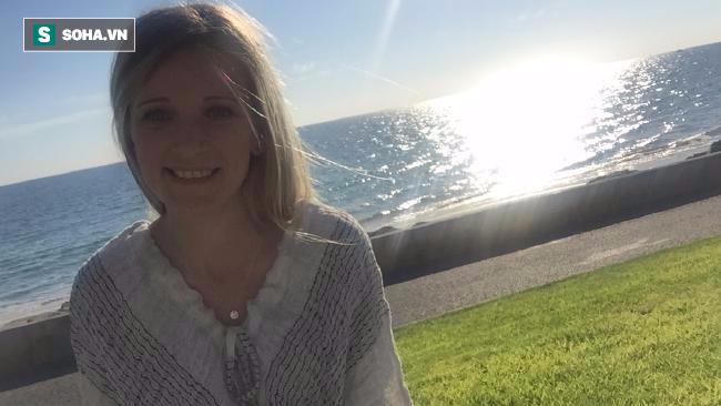 Bị ung thư bụng phình to tưởng loét dạ dày: Cô gái Úc cảnh báo 4 triệu chứng đặc biệt - Ảnh 3.