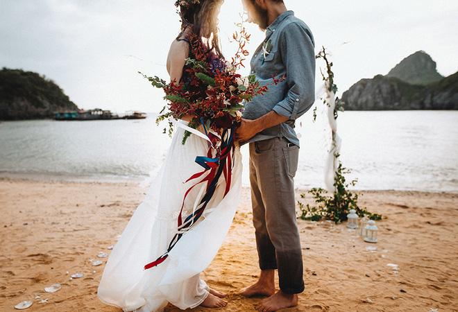 Đám cưới bí mật đẹp như mơ có 1-0-2 của cặp đôi Tây bỏ trốn trên đảo Cát Bà - Ảnh 4.