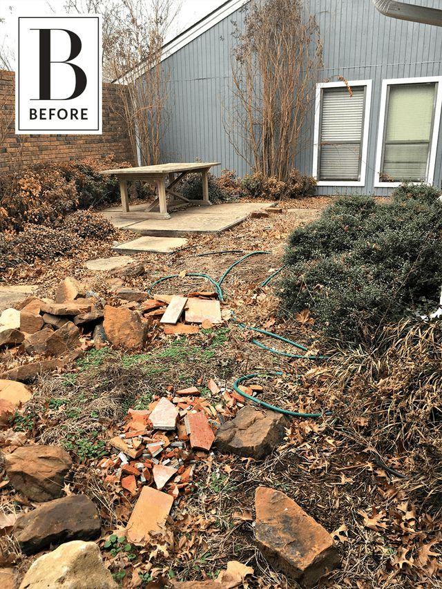 Sân vườn đầy gạch đá vụn và cây mục nát trở nên đẹp lung linh sau cải tạo - Ảnh 3.
