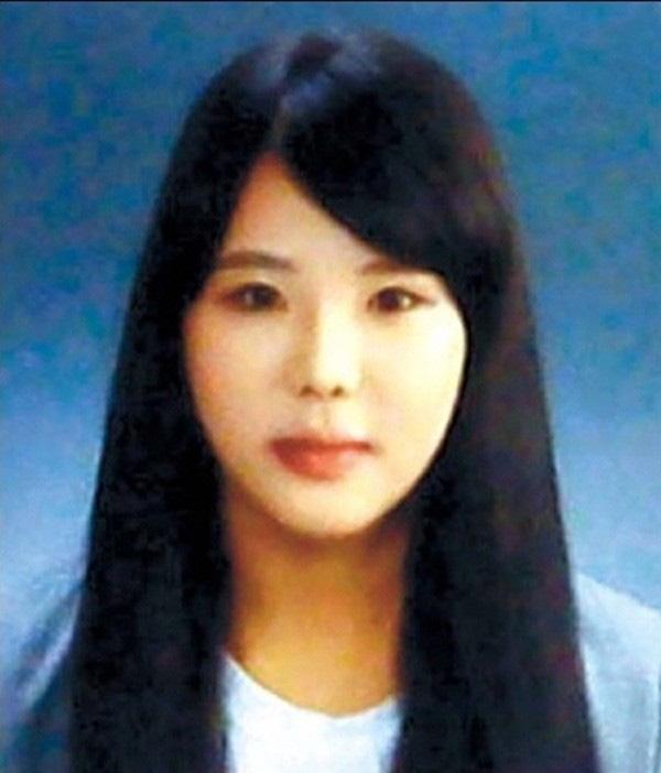 Loạt hình ám ảnh trong thảm kịch chìm phà Sewol cướp đi sinh mạng của gần 300 học sinh ở Hàn Quốc 3 năm trước - Ảnh 23.