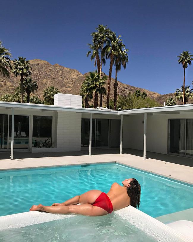 29 bức ảnh Instagram hot nhất của dàn trai đẹp gái xinh Hollywood tại Coachella 2017 - Ảnh 23.