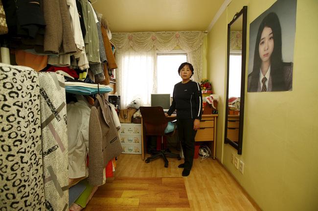 Loạt hình ám ảnh trong thảm kịch chìm phà Sewol cướp đi sinh mạng của gần 300 học sinh ở Hàn Quốc 3 năm trước - Ảnh 28.