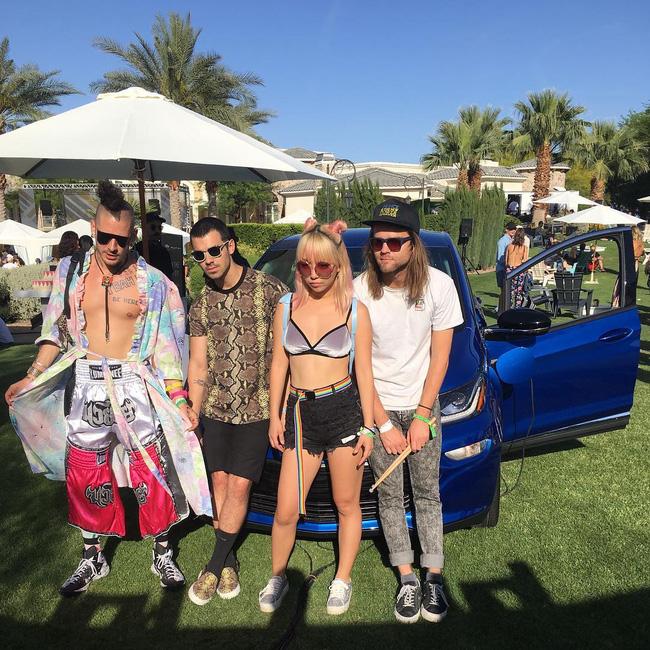 29 bức ảnh Instagram hot nhất của dàn trai đẹp gái xinh Hollywood tại Coachella 2017 - Ảnh 29.