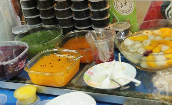 4 con hẻm ẩm thực cứ mỗi bước là có một món ăn ngon tại Sài Gòn - Ảnh 3.