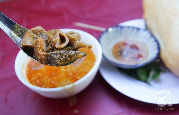 4 con hẻm ẩm thực cứ mỗi bước là có một món ăn ngon tại Sài Gòn - Ảnh 19.
