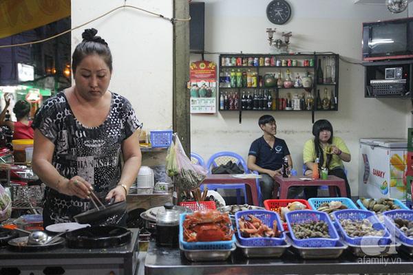 4 con hẻm ẩm thực cứ mỗi bước là có một món ăn ngon tại Sài Gòn - Ảnh 20.