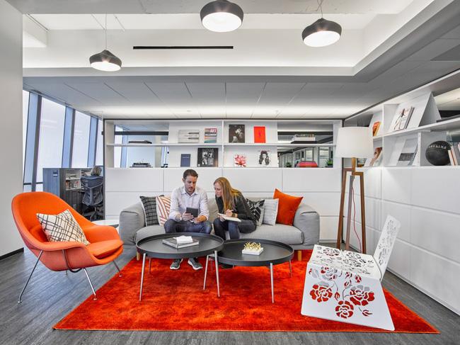 Thứ Hai chẳng nặng nề với văn phòng làm việc đẹp như mơ của công ty mỹ phẩm lớn nhất thế giới - Ảnh 5.
