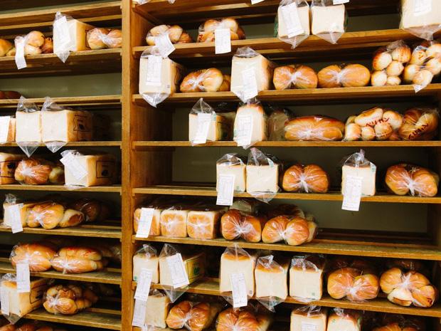 Có gì tại tiệm bánh mì Nhật Bản, hoạt động 74 năm và chỉ bán 2 loại bánh nhưng vẫn nườm nượp khách? - Ảnh 5.