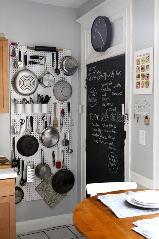 10 cách lưu trữ cực thông minh trong không gian nhà bếp nhỏ hẹp - Ảnh 5.
