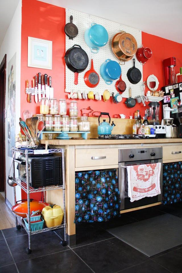 Nhà bếp lộn xộn bỗng tạo cảm giác gọn gàng, ngăn nắp chỉ trong tích tắc nhờ những mẹo này - Ảnh 8.