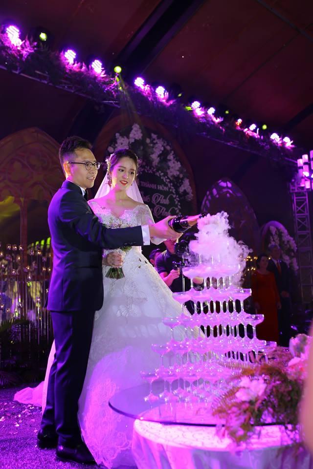 Những hình ảnh xa hoa trong tiệc cưới tiền tỉ của Á hậu Hoàng Anh - Ảnh 9.
