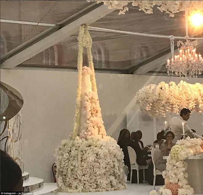 Đám cưới sang chảnh với 1 triệu bông hồng của con trai tỷ phú da màu giàu nhất thế giới - Ảnh 9.