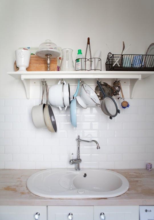 10 cách lưu trữ cực thông minh trong không gian nhà bếp nhỏ hẹp - Ảnh 8.