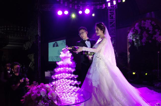 Những hình ảnh xa hoa trong tiệc cưới tiền tỉ của Á hậu Hoàng Anh - Ảnh 10.