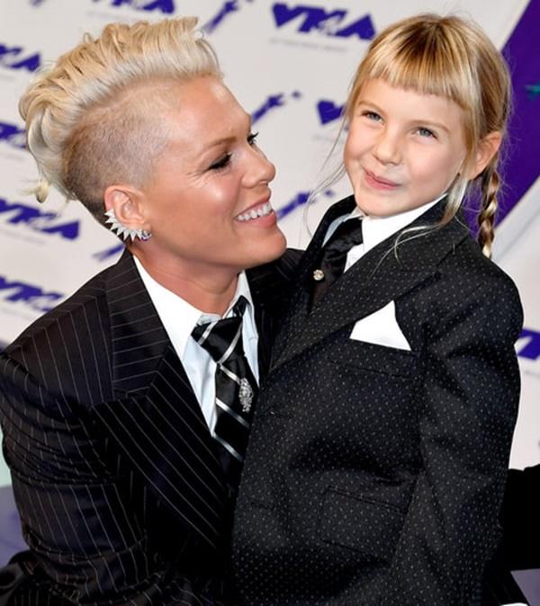 Hàng triệu người nể phục cách phản ứng của nữ ca sĩ Pink khi con gái nghĩ mình xấu - Ảnh 4.