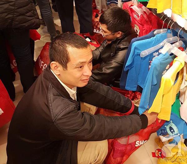 Hà Nội: Thời trang xả hàng Tết đến 70%, nhiều người bỏ về vì xếp hàng thanh toán quá lâu - Ảnh 5.