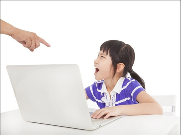 Chuyện người mẹ cấm con xem tivi vì chưa làm bài tập và 3 sai lầm tệ hại khi dạy con - Ảnh 1.